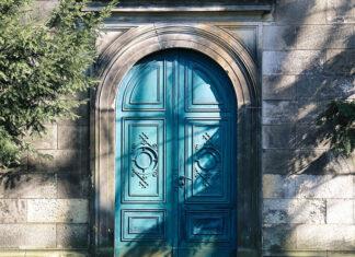 Jak wybrać fajne drzwi do domu